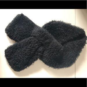 Black faux fur fuzzy scarf